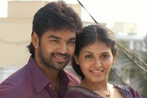 Actor Jai, Actress Anjali @ Engeyum Eppothum Movie Stills