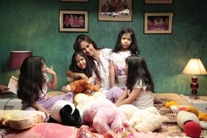 Enna Satham Intha Neram Tamil Movie Stills