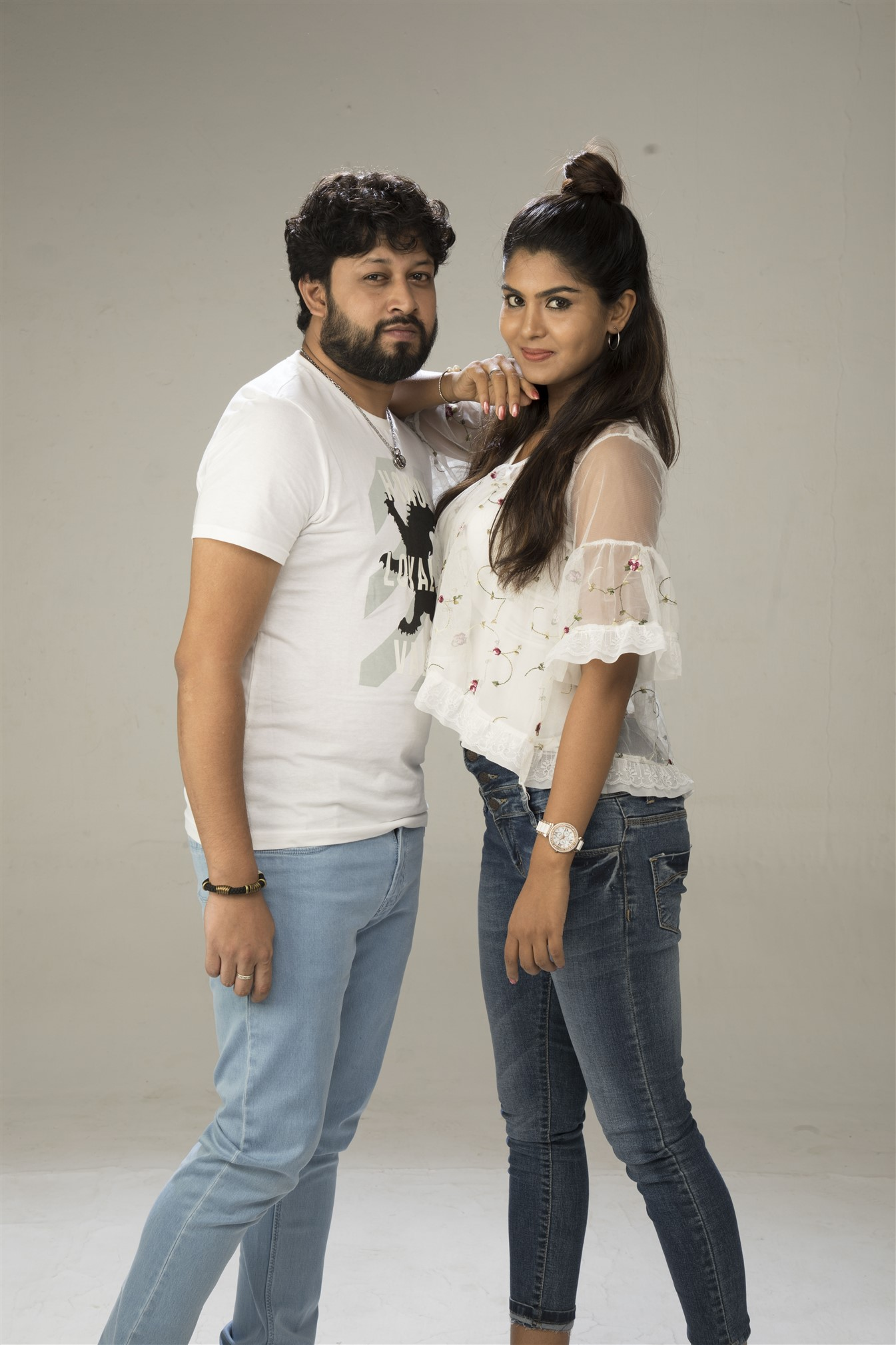 Vetri, Upasana RC in Ennai Sudum Pani Movie Stills HD