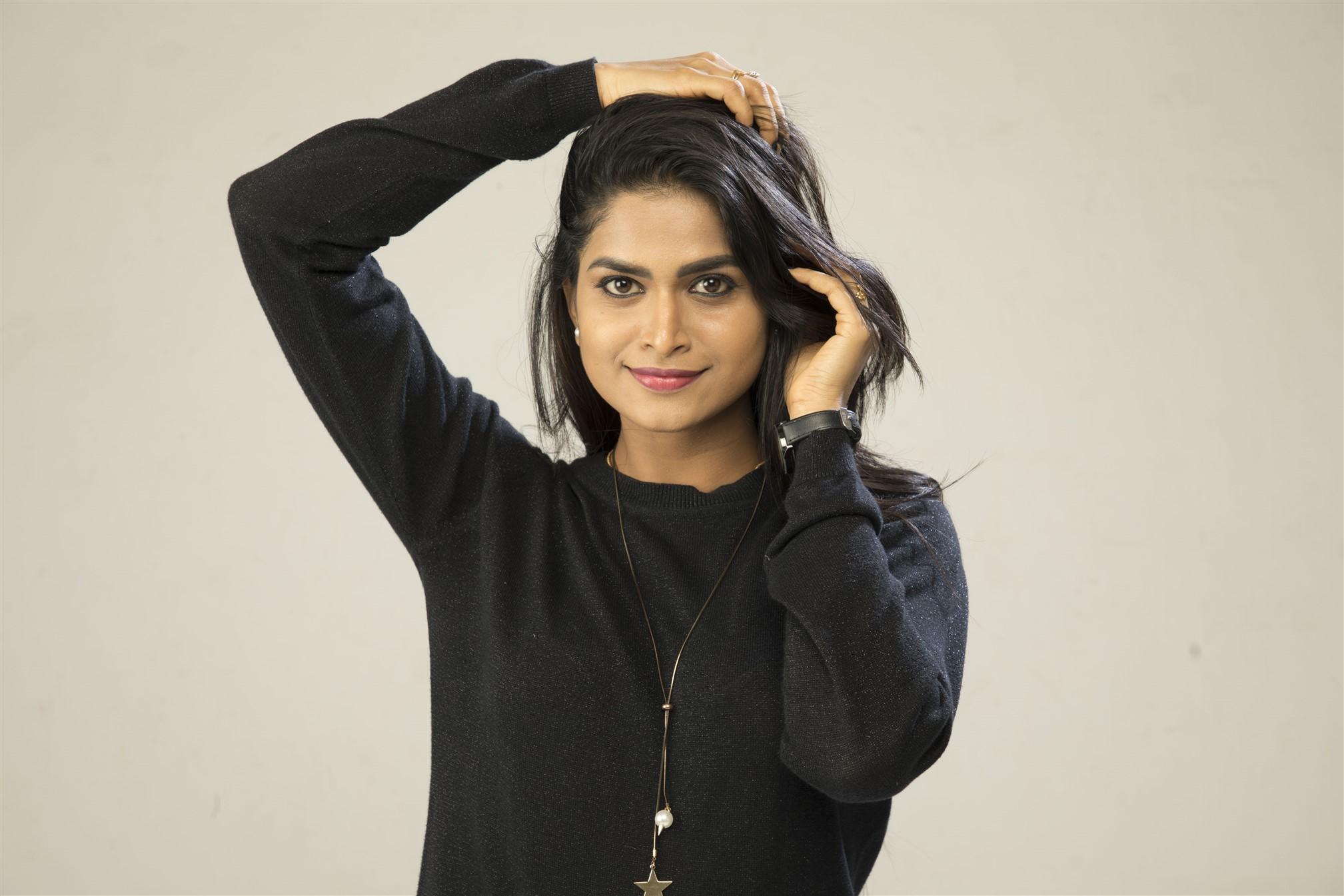 Actress Suma Poojari in Ennai Sudum Pani Movie Stills HD