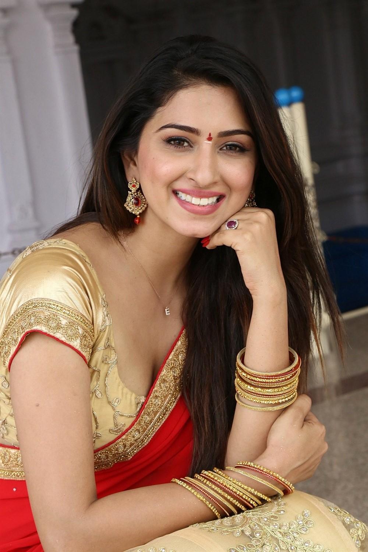 Actress Eshanya Maheshwari Pics @ Ammai Nachindi Movie Launch