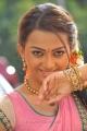 1000 Abaddalu Actress Ester Noronha Hot Saree Images