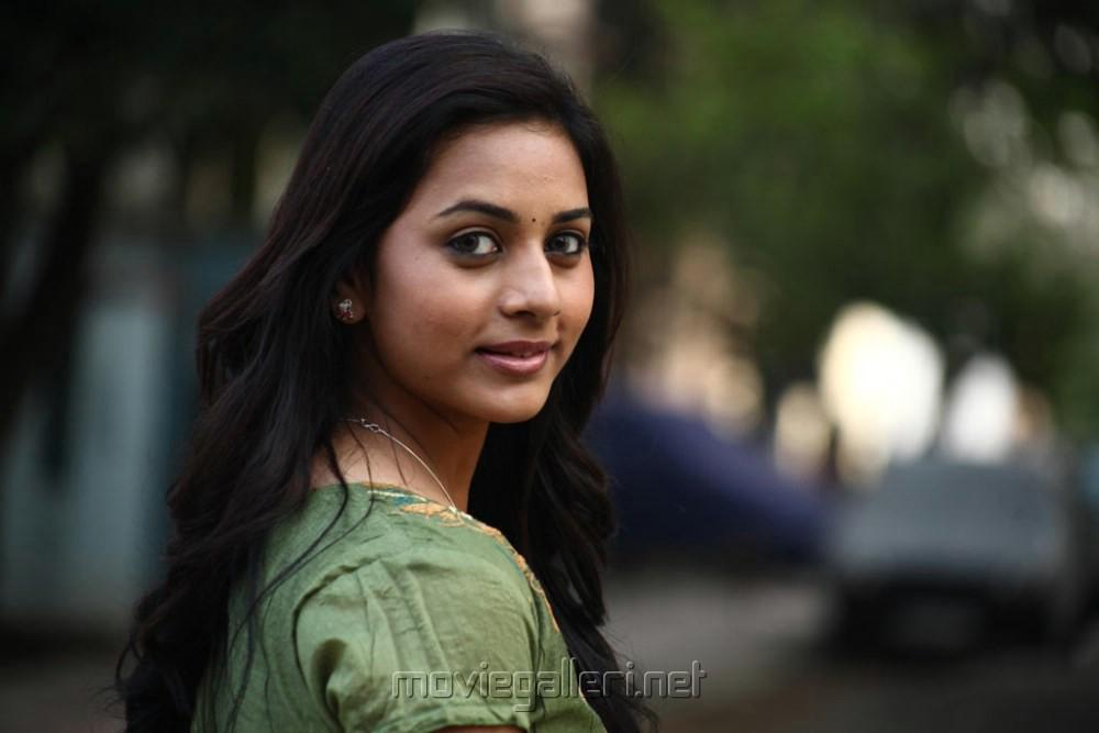 Picture 423543   Actress Nandita in Ethir Neechal Movie ...