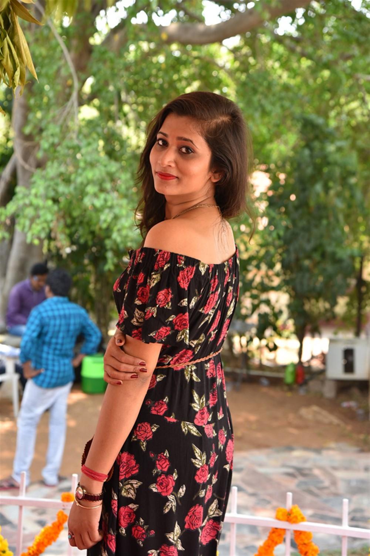 Actress Ashrita Reddy @ Etlu Movie Launch Stills