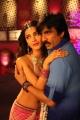 Shruti Hassan, Ravi Teja in Evanda Movie Stills