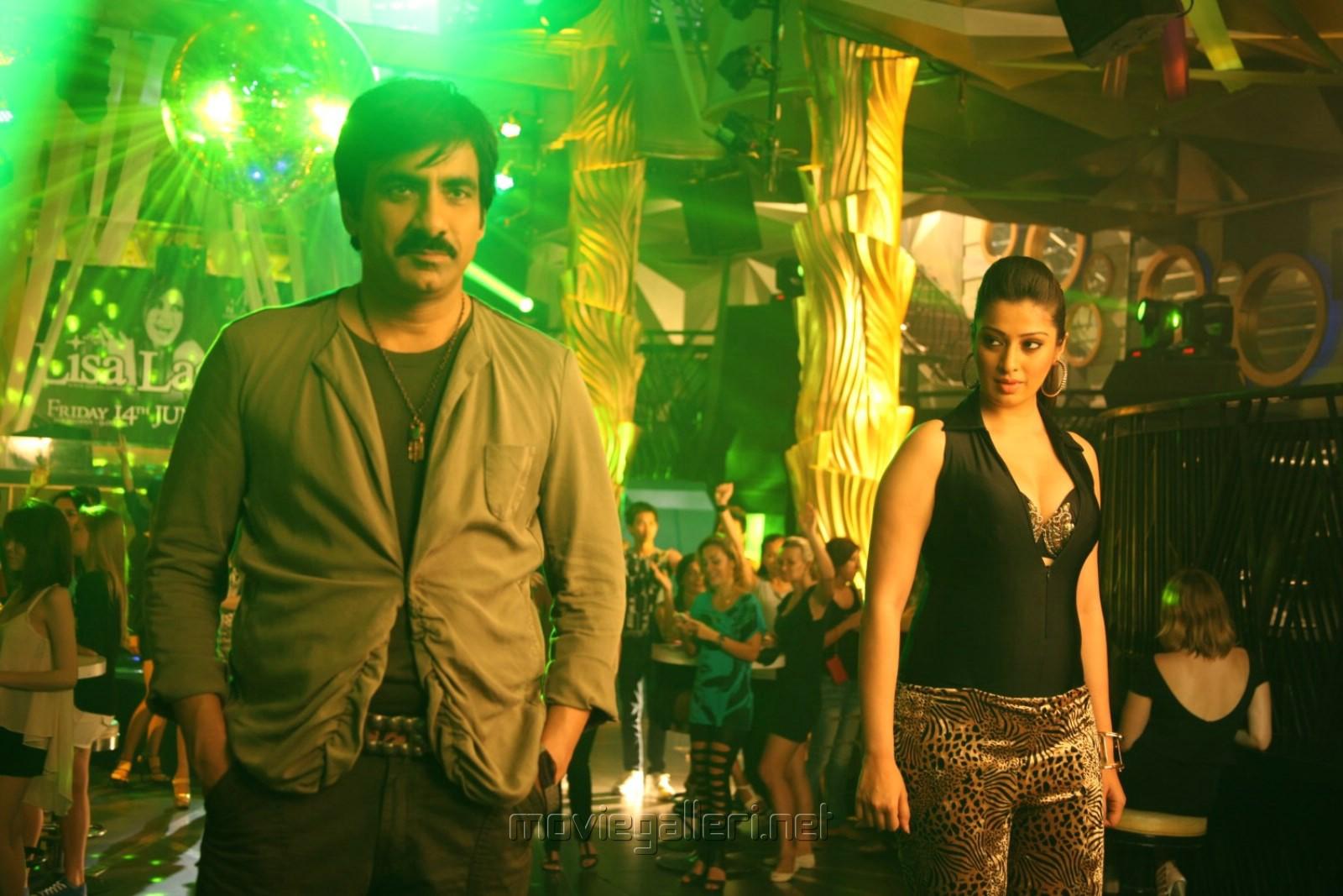 Ravi Teja, Shruti Hassan in Yevanda Movie Stills