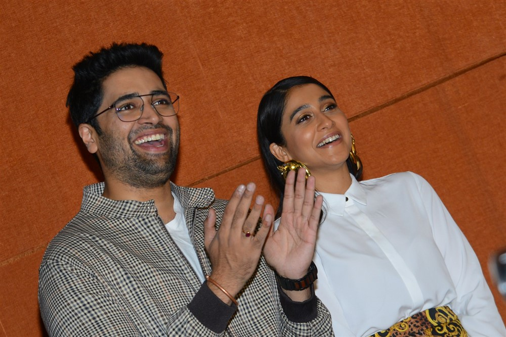 Adivi Sesh, Regina Cassandra @ Evaru Movie Success Meet Stills