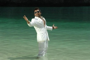 Ezham Arivu Surya Latest Stills
