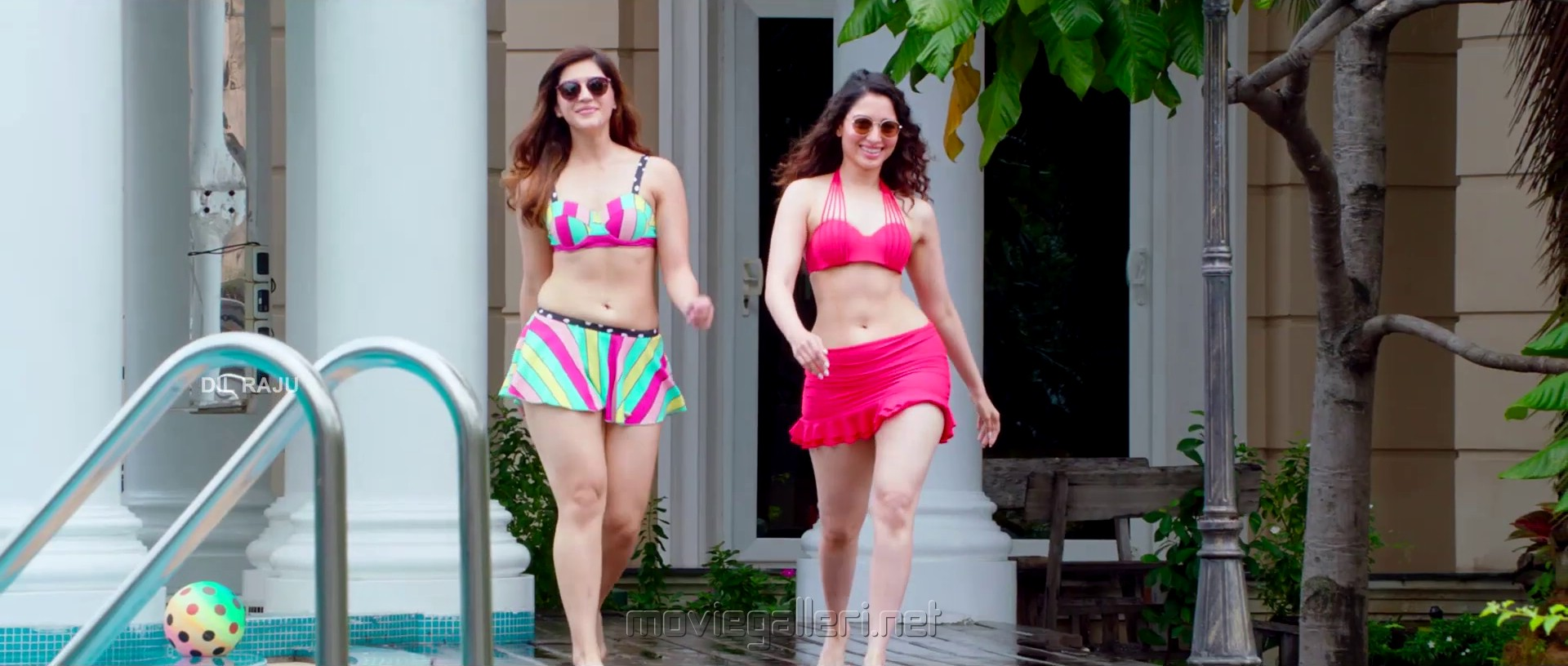 Mehreen Pirzada, Tamannaah Bhatia in F2 Fun And Frustration Movie Images HD
