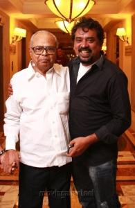 K.Balachandar, Santosh Sivan at FICCI MEBC 2012 Honoring Legends Photos
