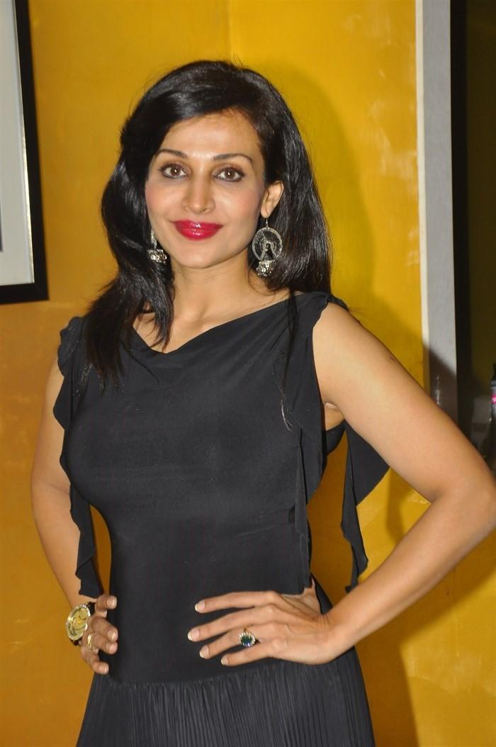 Telugu Actress Asha Saini Latest Photos in Black Dress