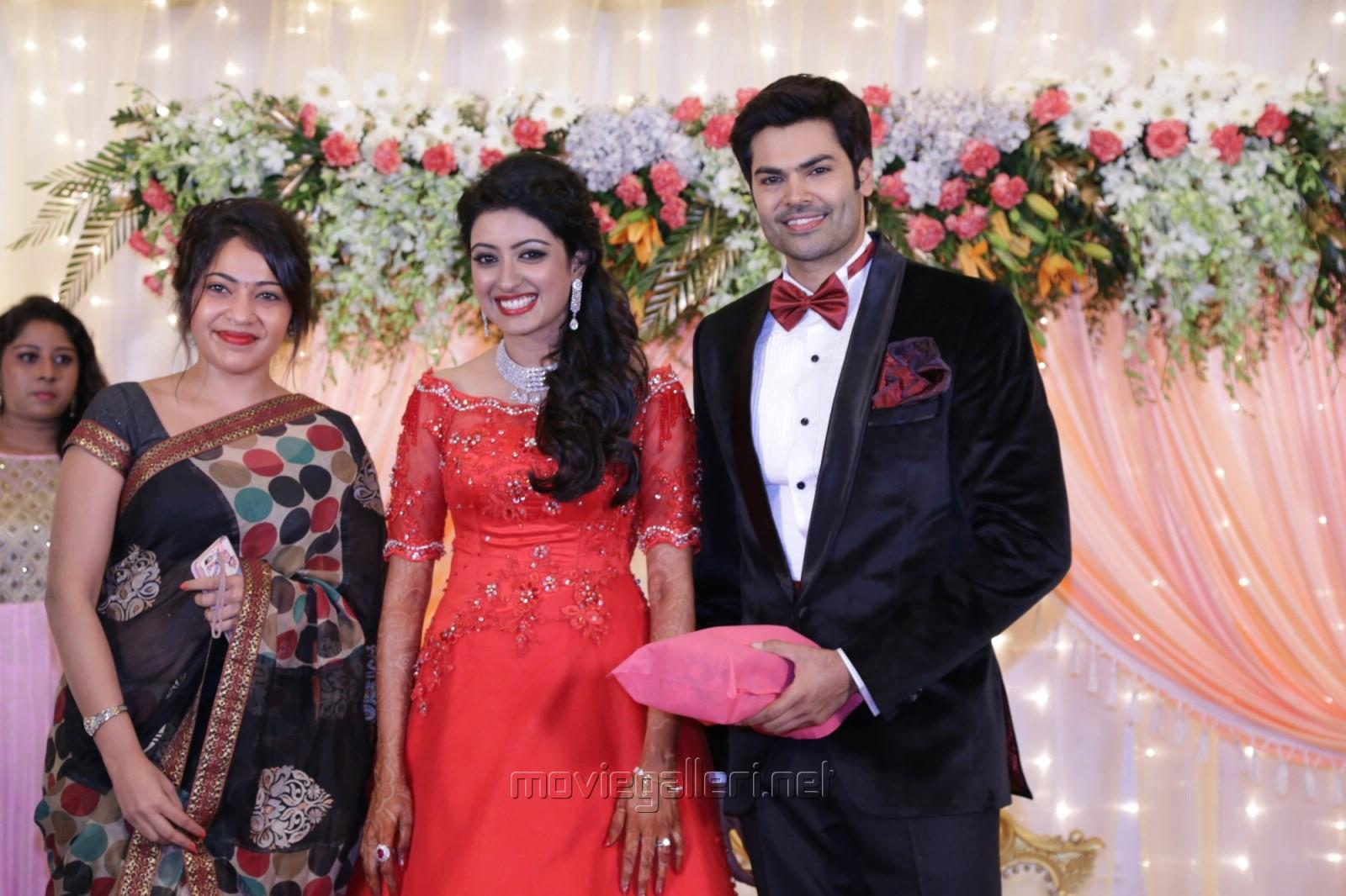 Ramya Ganesh Venkatraman Nisha Krishnan Wedding Reception Stills