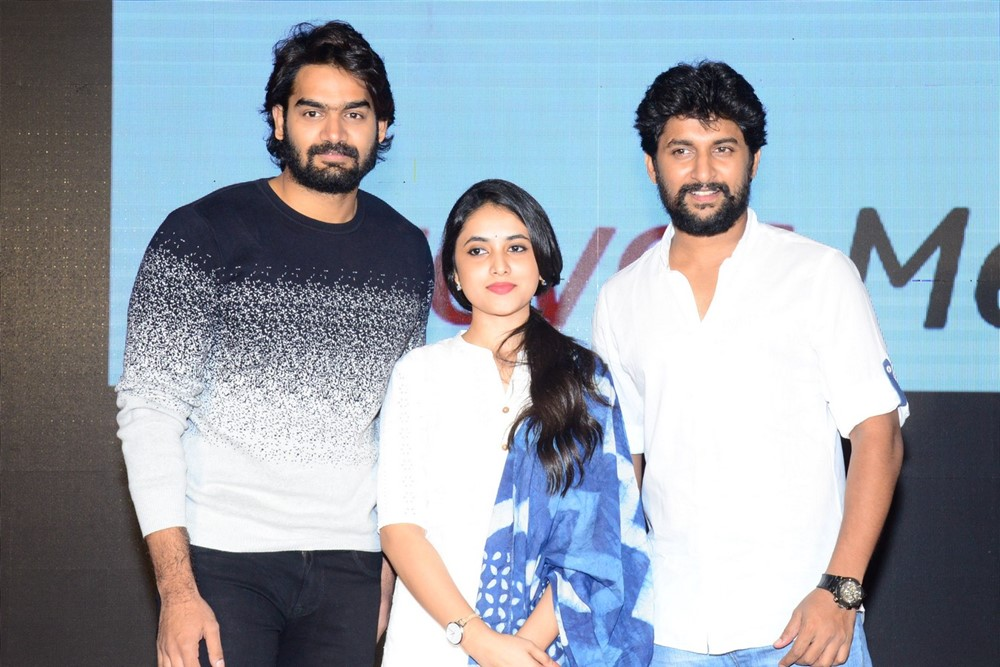 Kartikeya, Priyanka Arul Mohan, Nani @ Gang Leader Movie Team Meet Photos
