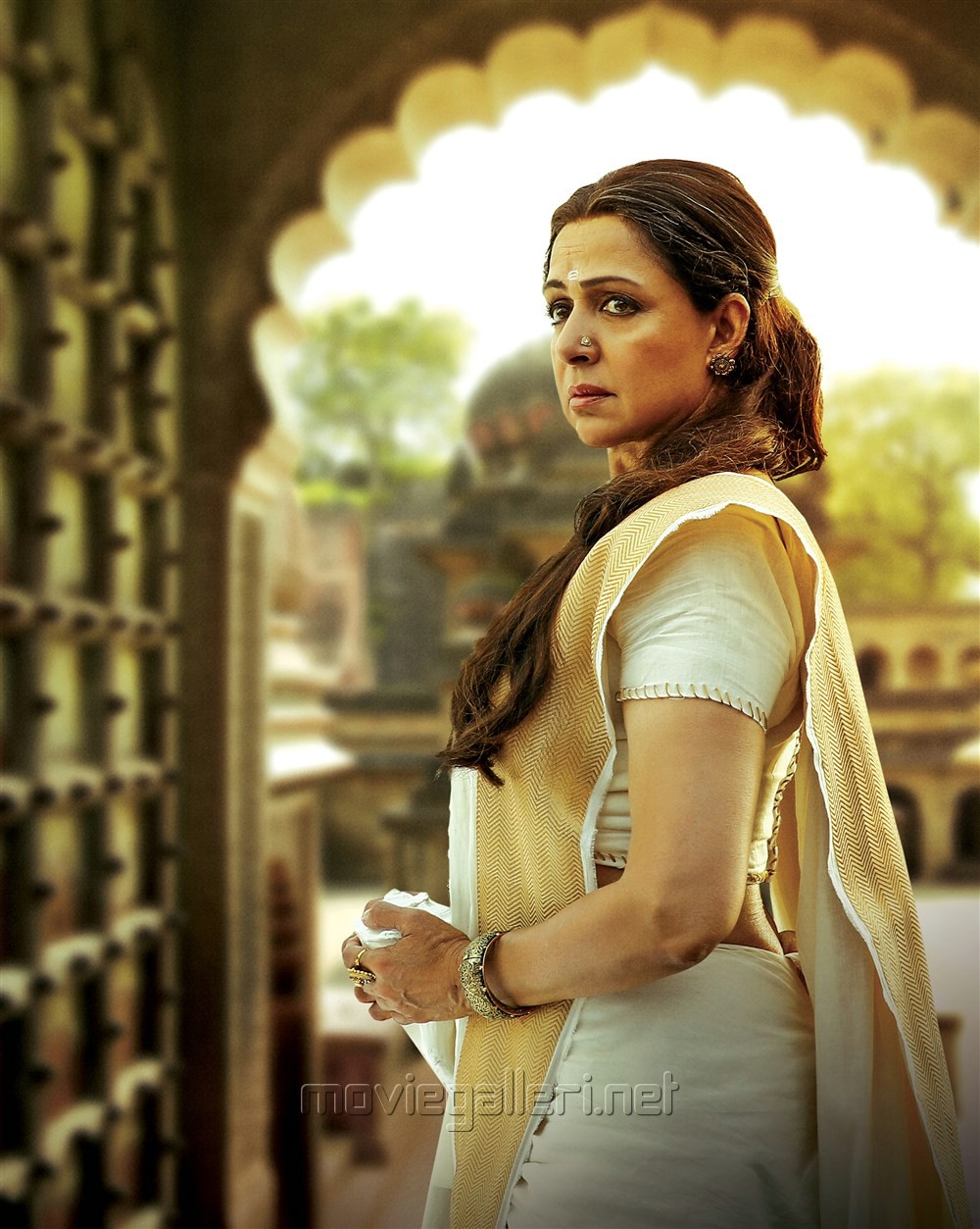 Actress Hema Malini as Gautami Balashri in Gautamiputra Satakarni HD Stills