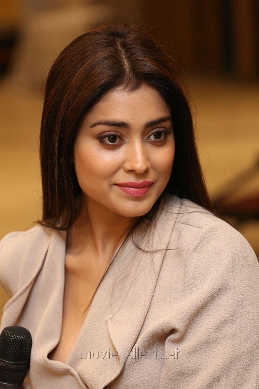 Actress Shriya Saran @ Gautamiputra Satakarni Press Meet Stills