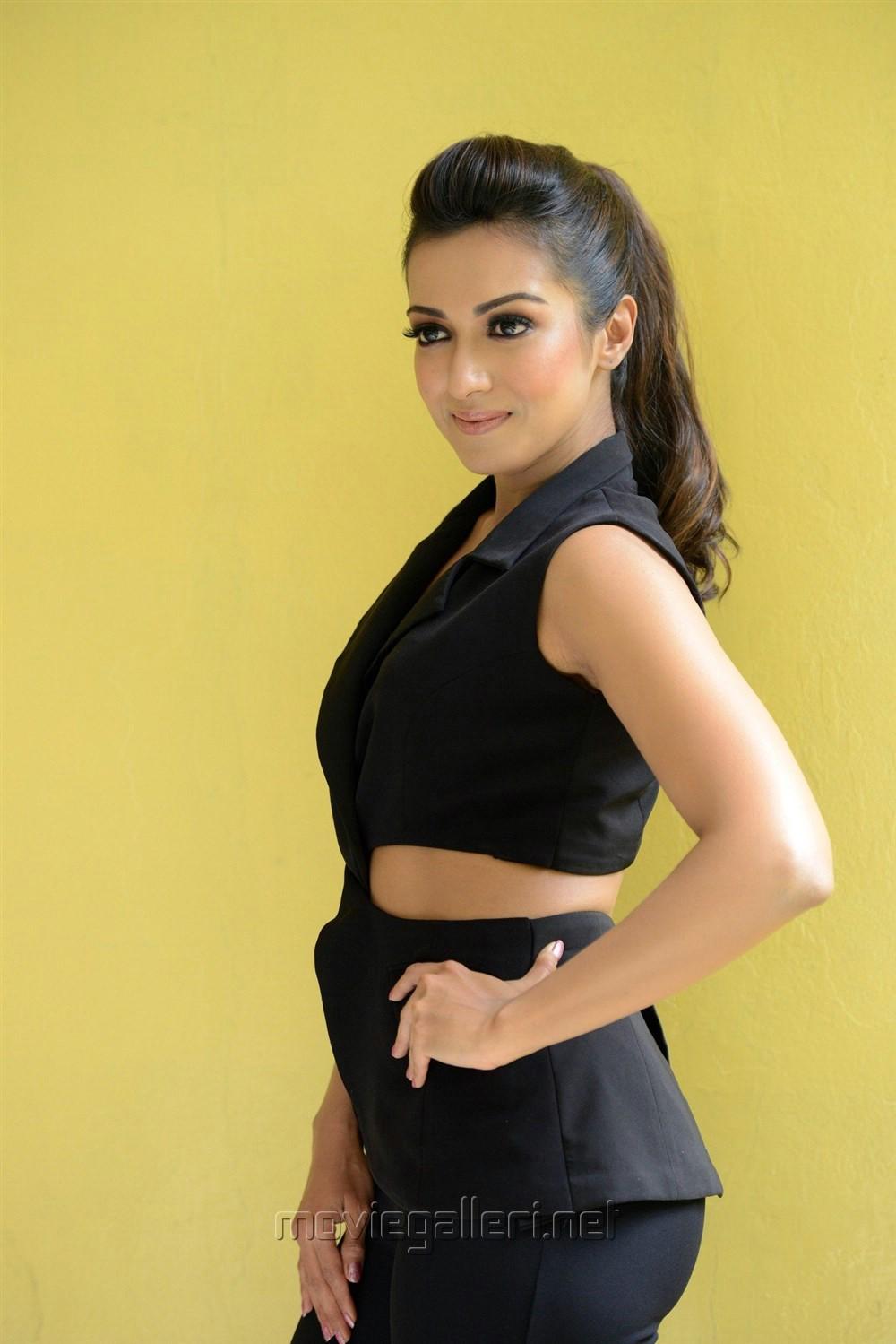 Telugu Actress Catherine Tresa Hot Black Dress Photos
