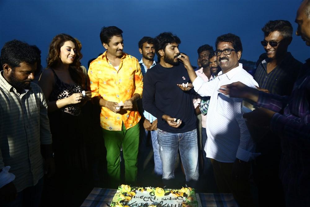 Hansika Motwani, Gopichand @ Gautham Nanda Team Celebrates Sampath Nandi Birthday Photos