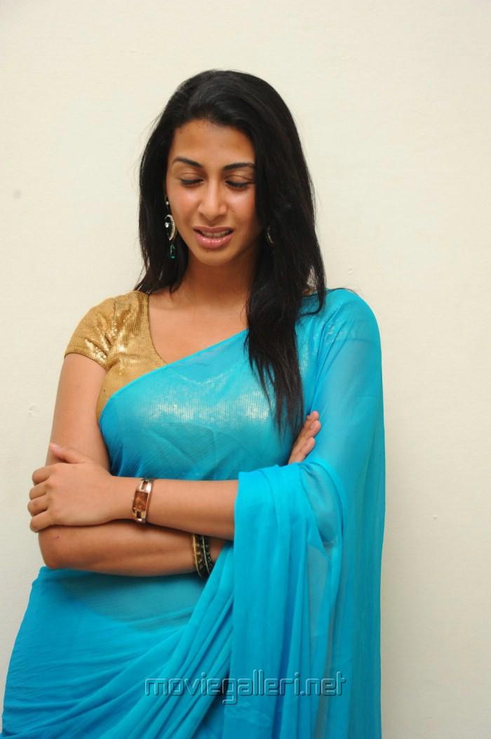 Telugu Heroine Gayathri Iyer Hot Stills
