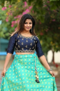 Actress Geethanjali New Stills at Weavers India Expo Launch