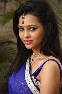 Tamil Actress Geeth Shah Stills at Manitha Kadhal Alla Movie Launch