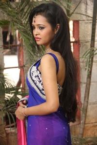 Actress Geeth Shah Hot Stills at Manitha Kadhal Alla Movie Launch