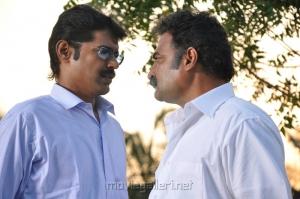 Subbu Panchu Arunachalam, Aadukalam Naren in Gugan Tamil Movie Stills