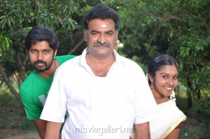 Aadukalam Naren in Gugan Tamil Movie Stills