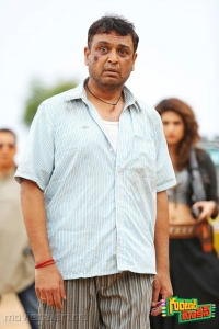 Actor Vijaya Naresh in Guntur Talkies Movie New Images