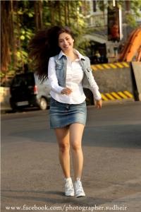 Actress Gurleen Chopra Latest Hot Photoshoot Stills