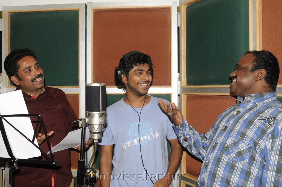 G V Prakash sings for Neerparavai Movie