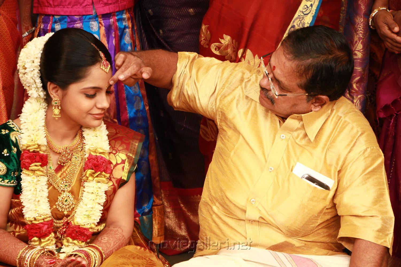 Singer Saindhavi With Father Srivatsan Marriage Photos