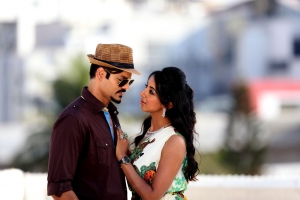 Sridhar, Sanjana in Happy Birthday Telugu Movie Images