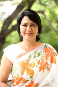 Telugu Supporting Actress Hema Press Meet on Bigg Boss 3 Show