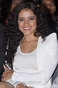 Actress Piaa Bajpai at Santosham Awards 2012 Stills