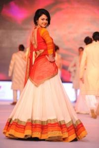 Kamna Jethmalani Ramp Walk at SouthSpin Fashion Awards 2012 Stills