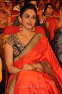 Heroine Rakul Preet Singh @ TSR TV9 National Film Awards for 2013-2014 Function Photos