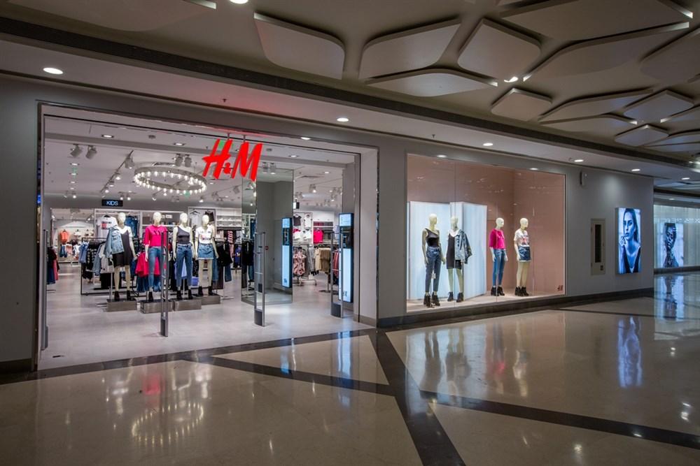 H&M Hyderabad Grand Opening at Inorbit Mall