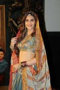 Actress Kriti Sanon @ Housefull 4 Movie Trailer Launch Stills