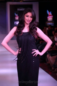 Tanvi Vyas @ Hyderabad International Fashion Week 2013 Day 1 Stills