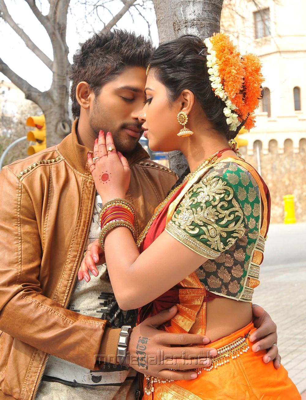 Allu Arjun And Amala Paul In Iddarammayilatho Latest Stills Picture 482533 ...