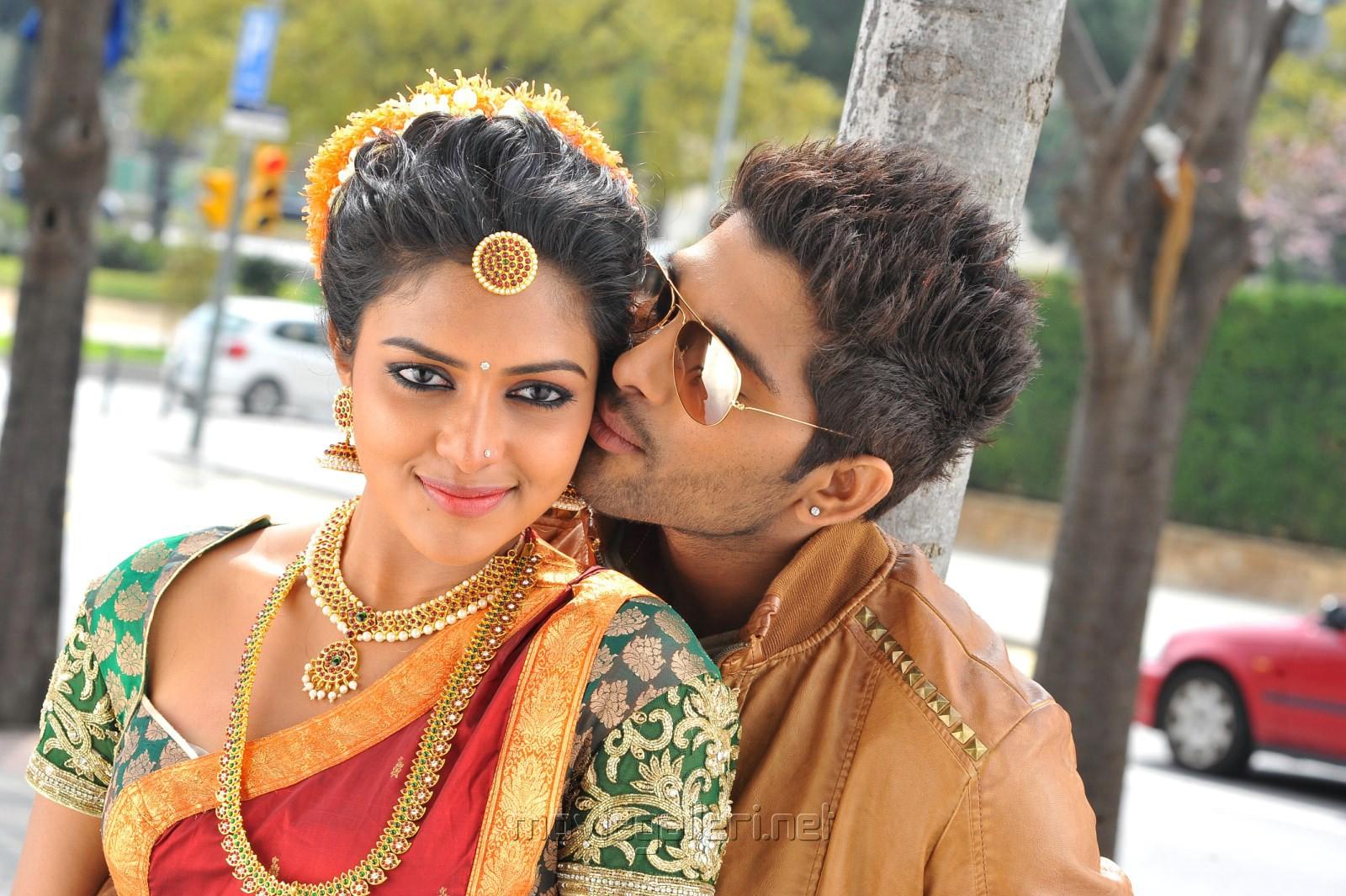 Allu Arjun And Amala Paul In Iddarammayilatho Latest Stills Picture 482538 | Amala...