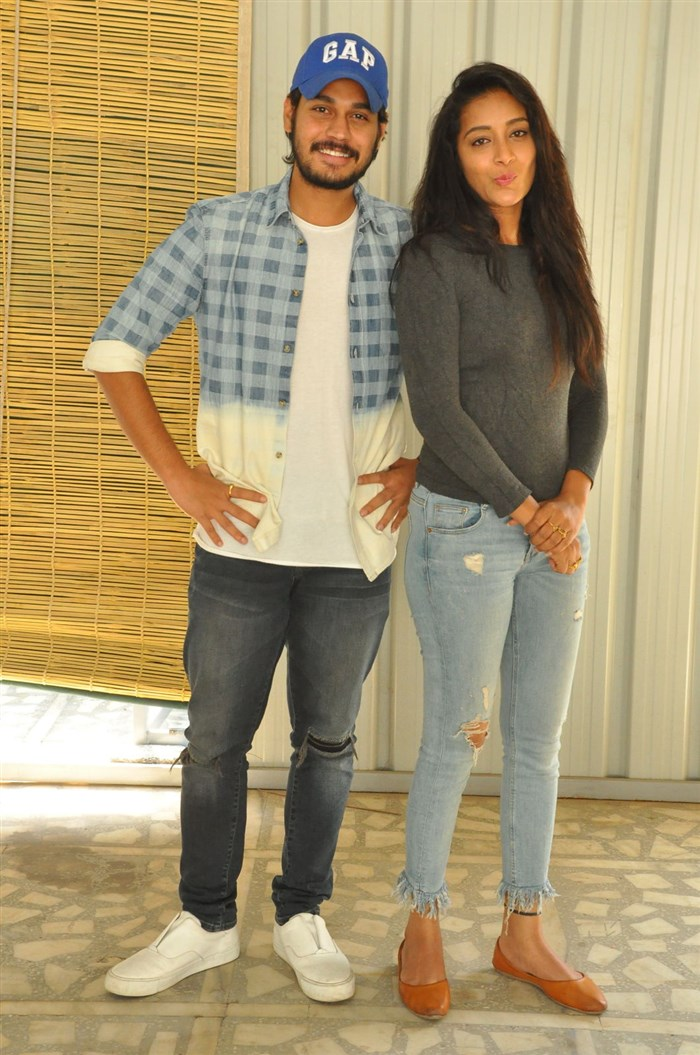 Ram Karthik, Bhanu Sri @ Iddari Madhya 18 Press Meet Stills