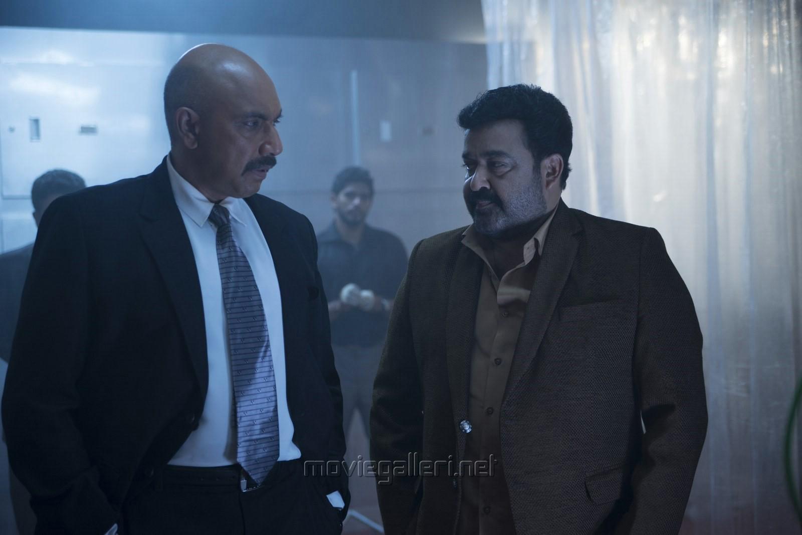 Sathyaraj, Mohanlal in Iddaru Iddare Movie Stills