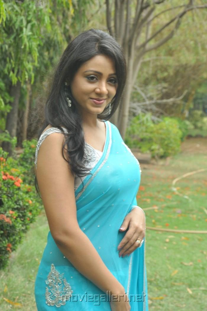 Tamil Actress Idhaya Edan Hot Stills Blue Transparent Saree Dbdd