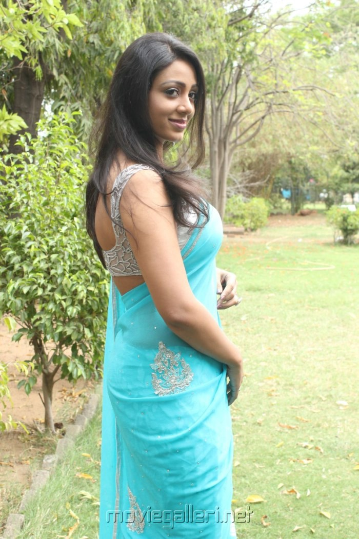Sleeveless blouse hot photo best blouse design 2018 blouses for saree unknown actress hot sleeveless blouse thecheapjerseys Images