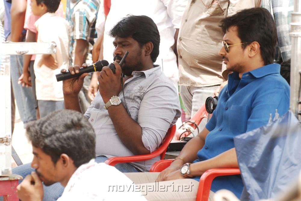 SR Prabhakaran & Udhayanidhi Stalin @ Idhu Kathirvelan Kadhal Shooting Spot Stills