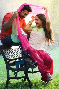 Simbu, Andrea Jeremiah in Idhu Namma Aalu Movie New Images