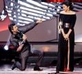 Shahrukh Khan, Parineeti Chopra at IIFA Awards 2013 Photos