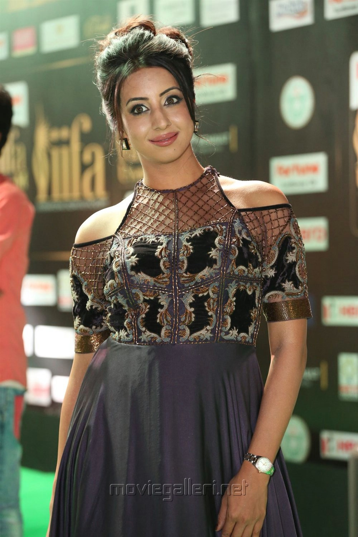 Actress Sanjana @ IIFA Utsavam 2017 Green Carpet (Day 1) Photos