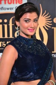 Actress Ishita Vyas @ IIFA Utsavam 2017 Green Carpet (Day 2) Images